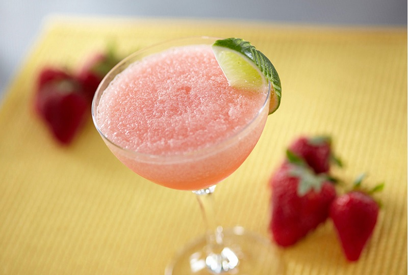 huong dan cach lam cocktail utimate frozen strawberry